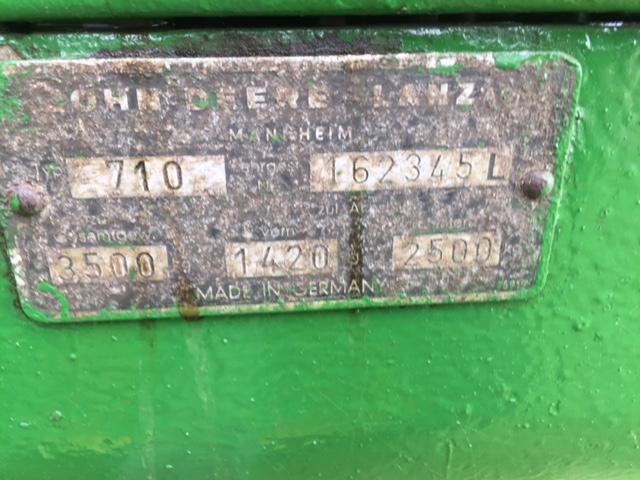 John Deere 710 2wd