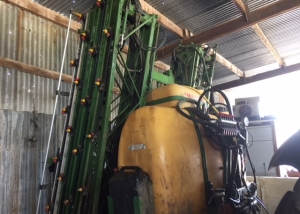 Amazone UF1200 mounted sprayer