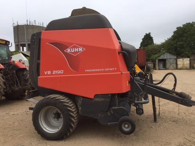 Kuhn2190 round baler