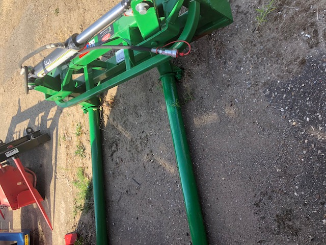 Silage bale squeezer